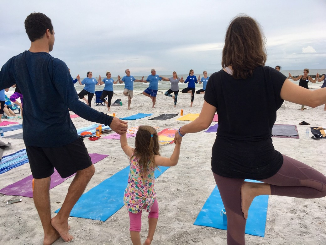 sunset_beach_yoga